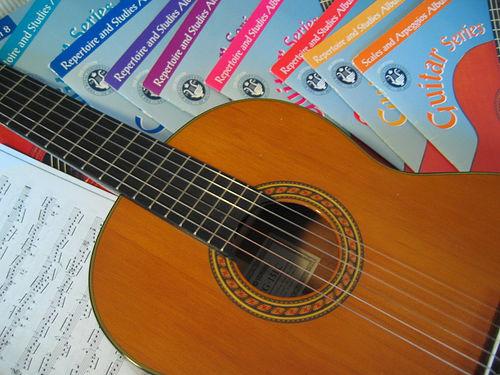 chitara-acustica-manuale-incepatori