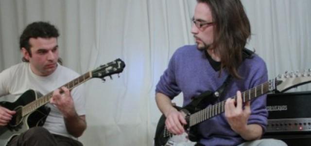 """Învaţă să cânţi """"Little Dreams"""" pe chitară"""