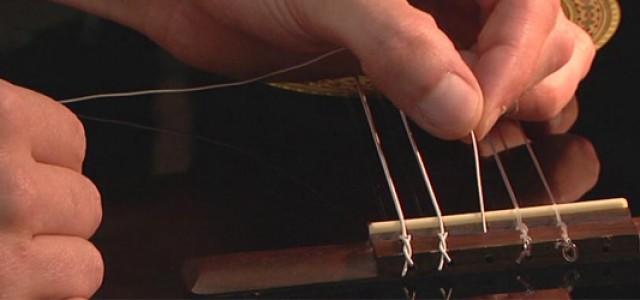 Schimbarea corzilor: Chitară Clasică