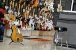 guitarshop3